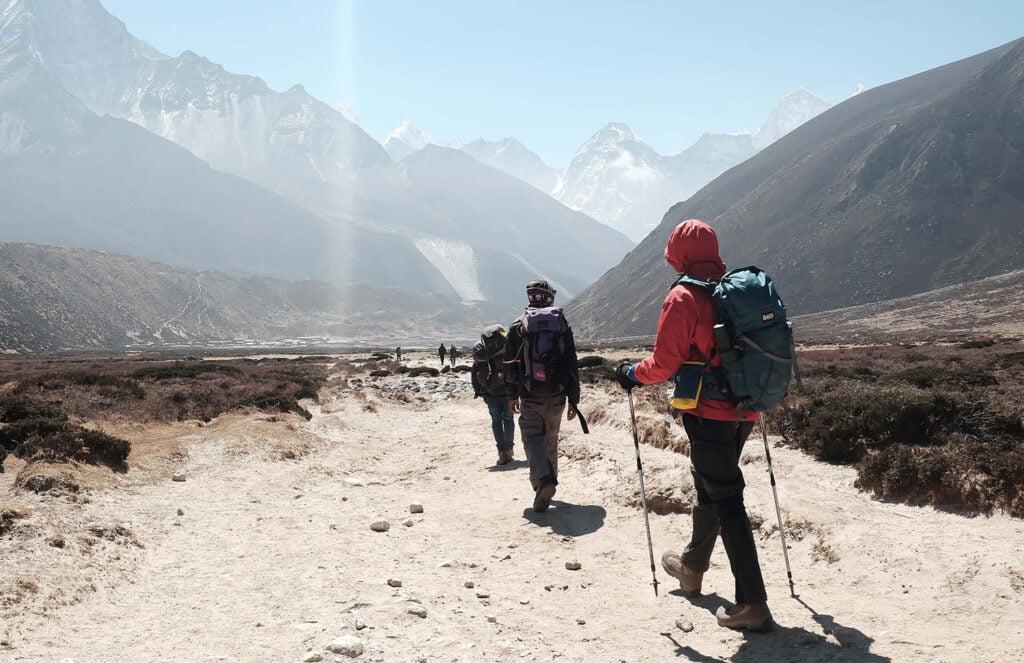 Quali-bastoncini-da-trekking-scegliere