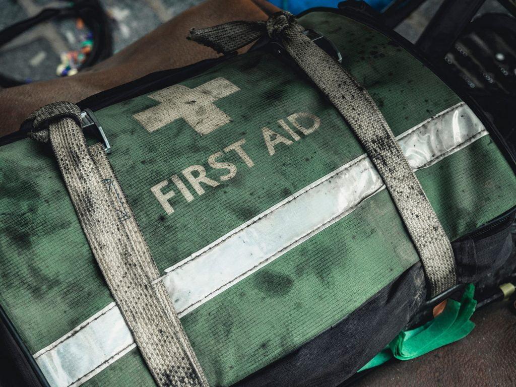 Kit di primo soccorso attrezzature essenziali
