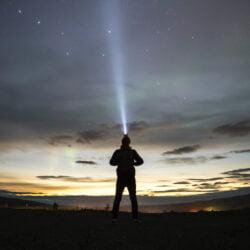 Consigli su come scegliere una Lampada FrontaleAttrezzatura Trekking