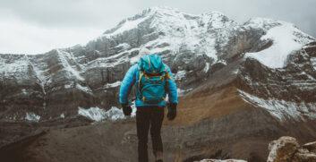 Camminare in Discesa in Montagna: ConsigliAttrezzaturaTrekking.it