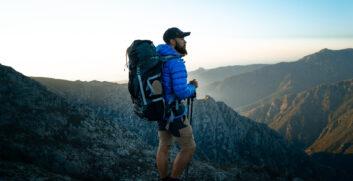 Vestirsi a cipolla: gli Strati nell'escursionismoAttrezzaturaTrekking.it
