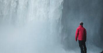 Giacca impermeabile da trekking: cos'è, a cosa serve e quale scegliere - AttrezzaturaTrekking.it